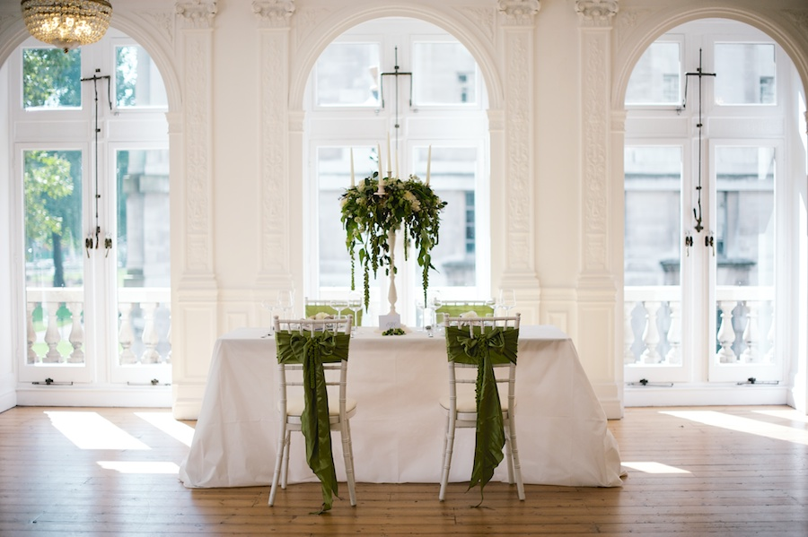 Contemporary Green & White Styled Shoot featured on BLOVED WEDDINGS BLOG